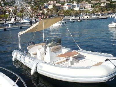 Location bateau a moteur semi rigide LOMAC 600 IN