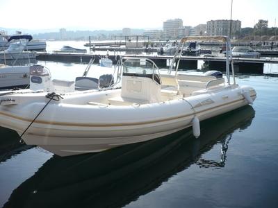 Location bateau à moteur semi-rigide BSC 75 CLASSIC