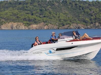 Location bateau a moteur PACIFIC CRAFT 630 SUN CRUISER
